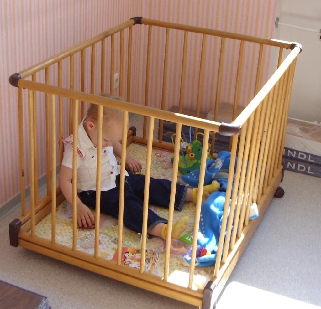 Room playpens